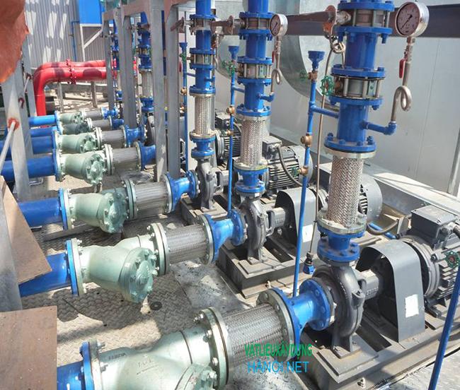 Hệ thống bơm và đường ống nước lạnh: