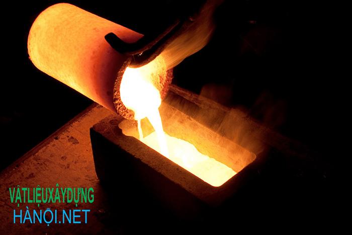 Kim loại có nhiệt độ nóng chảy thấp nhất