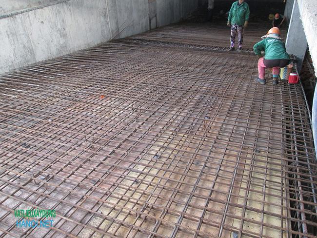 Giải pháp chống trơn trượt cho ram dốc tầng hầm